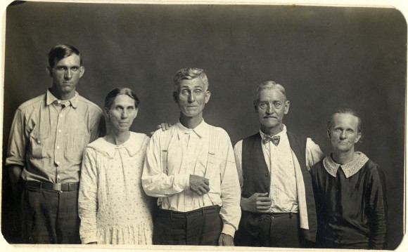 Joe and Fanny Carr, Mose Harmon, and Bill and Julia Harlan 1930 C Mike Disfarmer courtesy of the Edwynn Houk Gallery New York (2)
