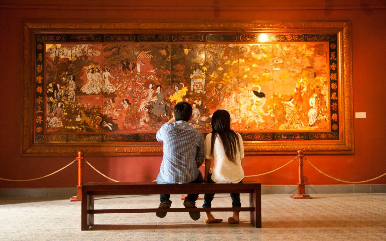 1109-website-hcmc-fine-arts-museum-nguyen-gia-tri-couple-sophie-hughes2