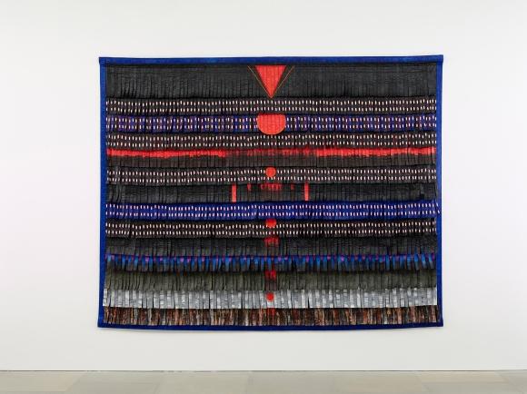 Abdoulaye Konaté, Noir-bleu aux triangles et cercles rouges, 2017
