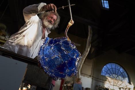 Bernard Heesen aan het werk in De Oude Horn- Foto Ben Deiman