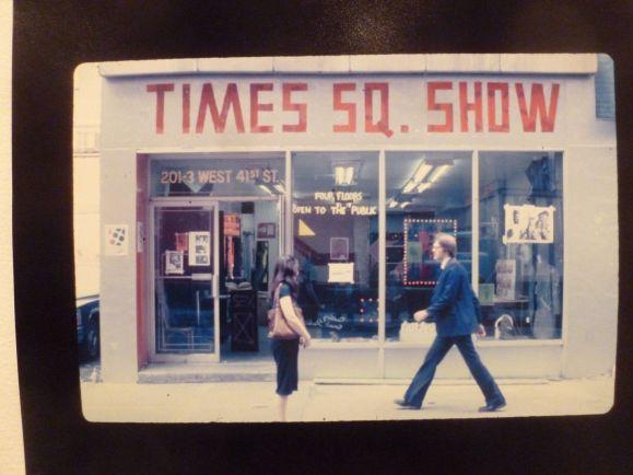 12-foto-Francene-Keerey-Times-Square-Show-Sign-Bord.jpg
