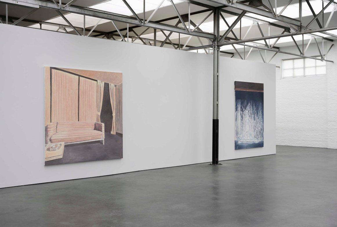Luc Tuymans_The Return_zaaloverzicht met_installation with Interior III, Presence_photo Peter Cox.jpg